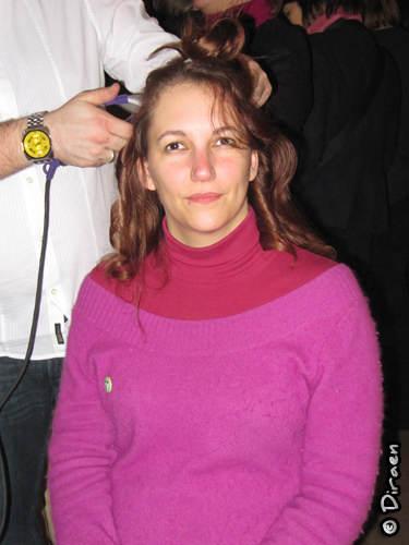 Forecrose teste le salon de coiffure et se fait faire de magnifique boulcettes...