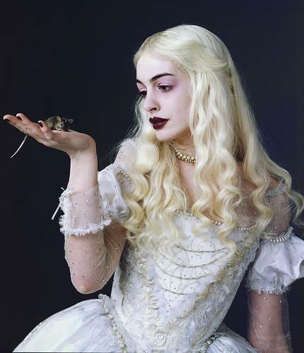 Alice aux Pays des Merveilles - La Reine Blanche