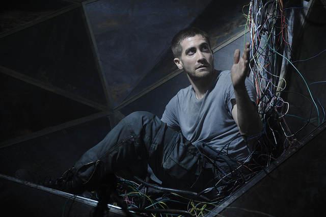 Photo - Jack Gyllenhaal au milieu de câbles