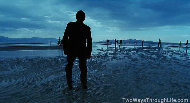 Image du film - Sean Penn sur une plage, au crépuscul