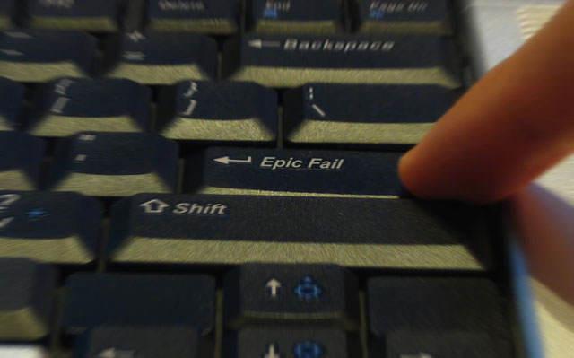 """Photo montage d'un clavier ou la touche """"entrée"""" à été remplacée par une touche """"epic fail"""""""