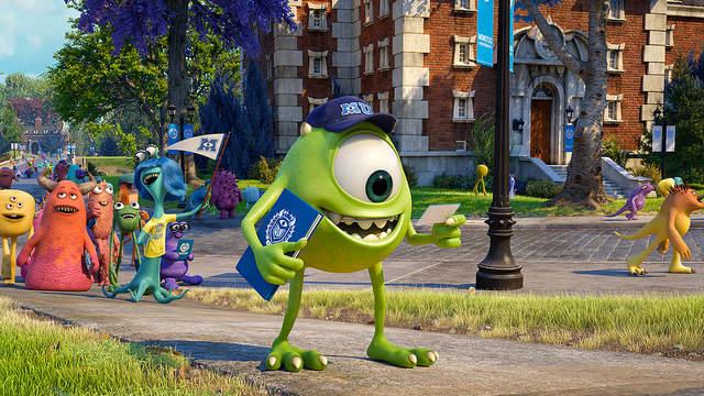 Bob arrive sur le campus
