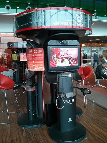 Borne PS3 à l'aéroport de Paris-Charles-de-Gaulle (Roissy)
