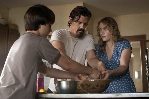 Kate Winslet, Gattlin Griffith et Josh Brolin préparent une tarte