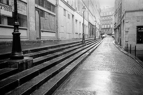 Paris_Aout_rue_vide